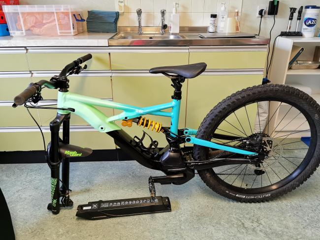 Police appeal for info following Alexandria theft of mountain bike worth £5500