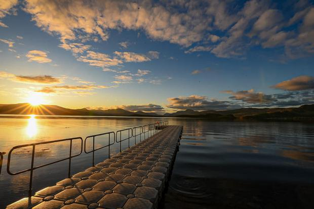 Dumbarton and Vale of Leven Reporter: Sun set at the loch by Gerry Doherty