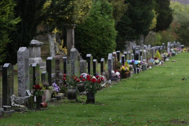 The cemetery gained a Green Flag Award, administered in Scotland by Keep Scotland Beautiful, which is a benchmark for quality green space